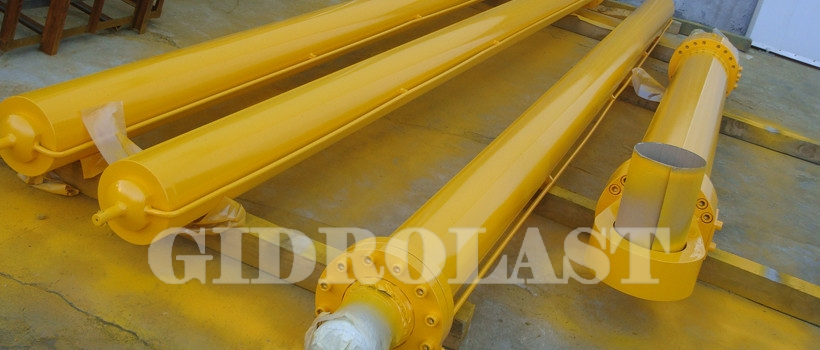 Hydraulic cylinders for metallurgical equipment